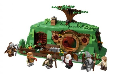 The Hobbit LEGO set: Bilbo's House