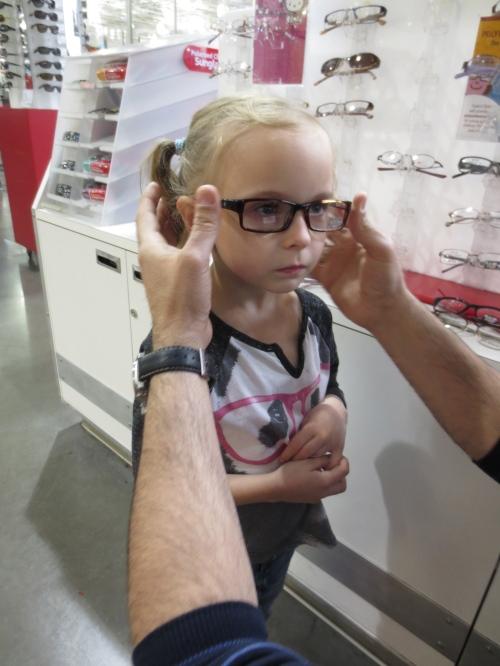 IGreta getting glasses @ CostcoMG_5300